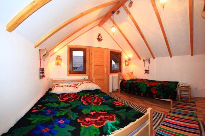 camera tripla-un pat dublu + un pat simplu