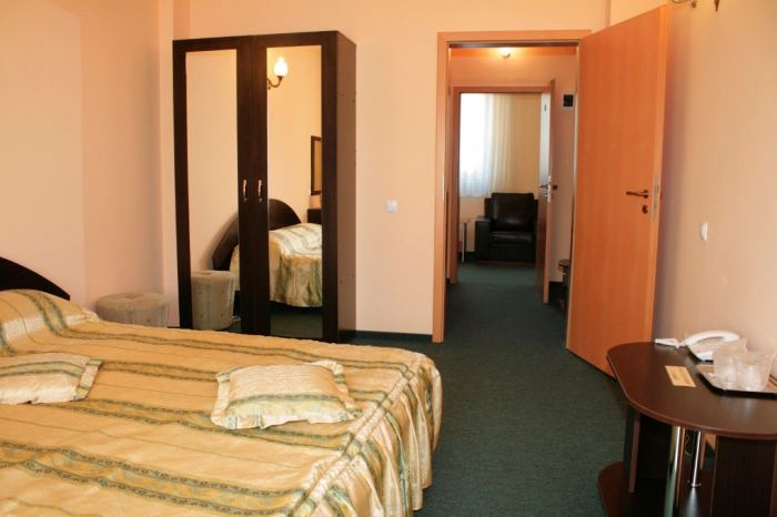 Suite (1 double room, matrimonial bed, 1 single room
