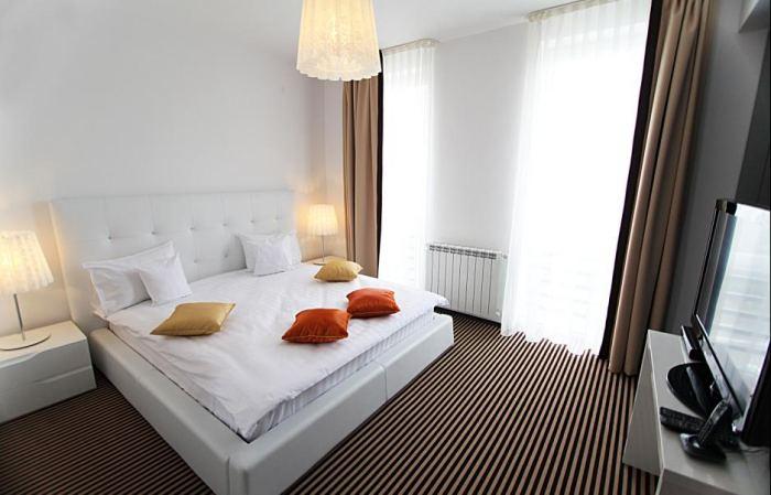 Apartament 4*