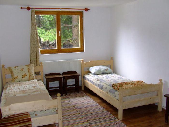 Camere cu 2 paturi