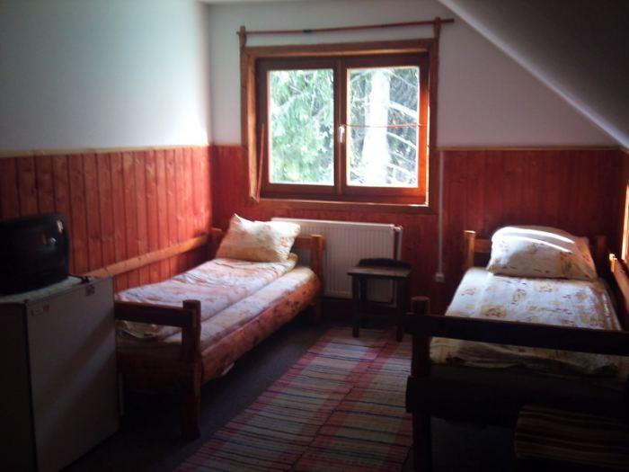 camara cu 3 paturi