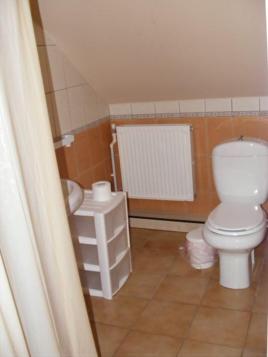Apartament matrimonial cu pat suplimentar canapea extensibil