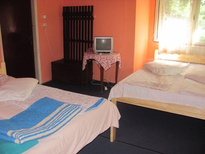 Camera cu 4 locuri