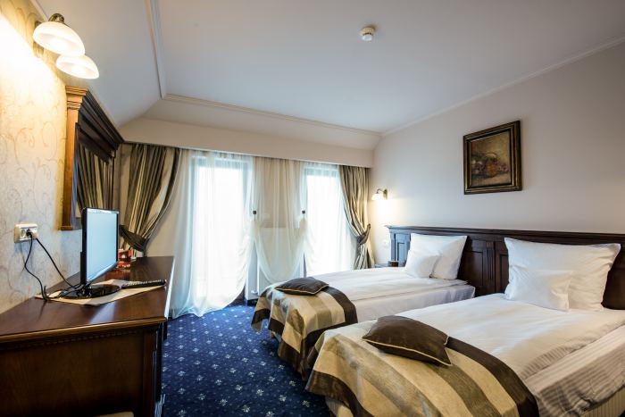 Single Standard Room Bed and Breakfast