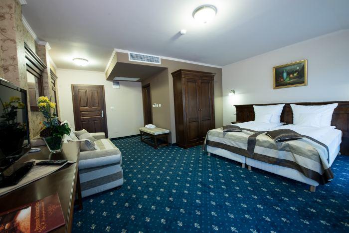 Double Deluxe Room Bed and Breakfast