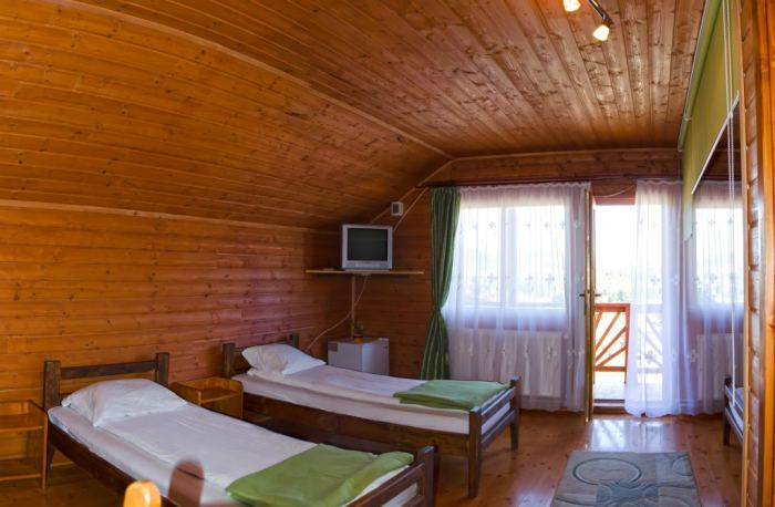 Camera pt. 3 -  4 persoane