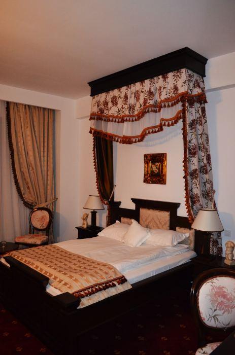 Camera Matrimoniala Baldachin