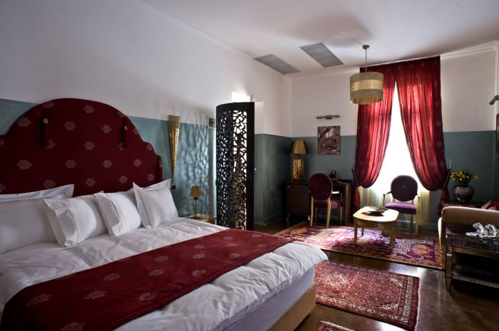 Double Oriental Ottoman Bed And Breakfast